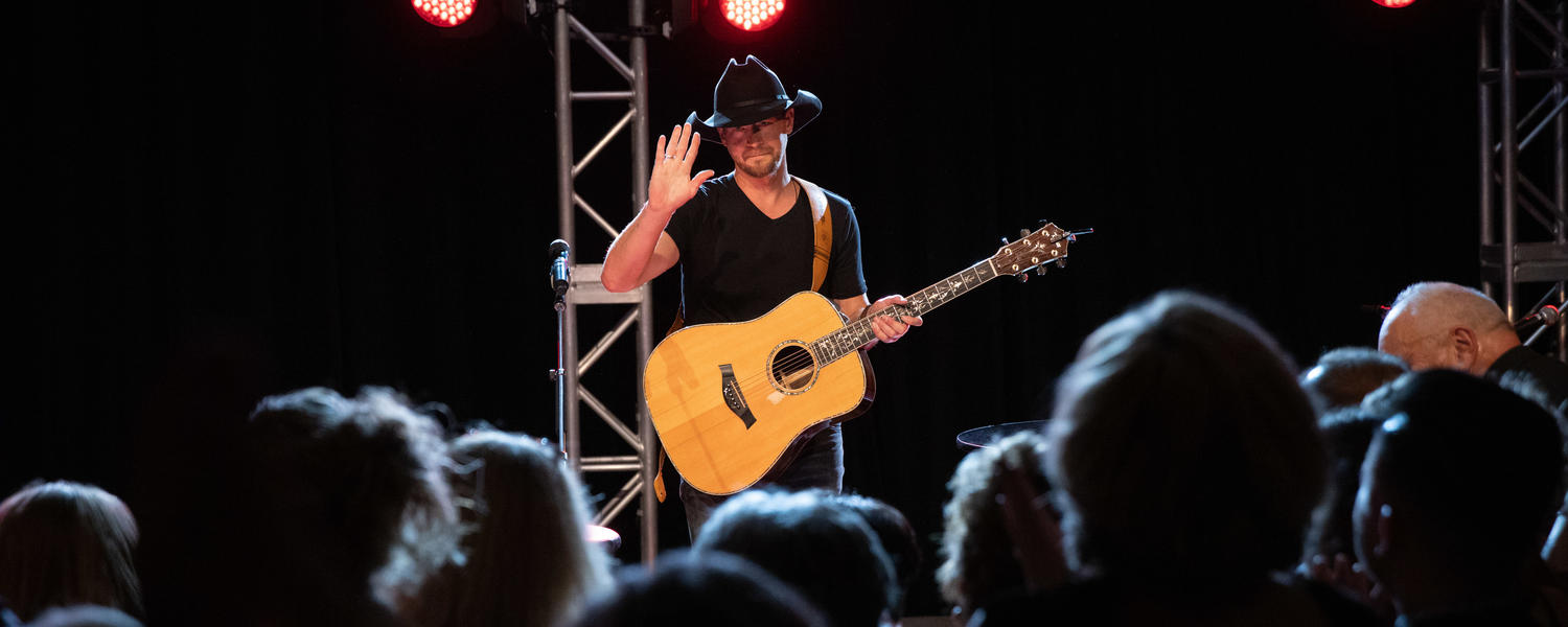paul brandt performs at the 2019 gala